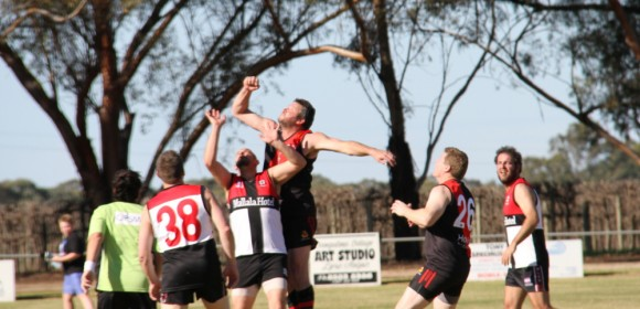 LAMEROO WIN 'A MUST WIN' MALLEE FOOTBALL CLASH AGAINST PINNAROO